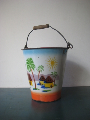 tropical bucket