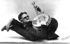 weird-banjo-pic-copy